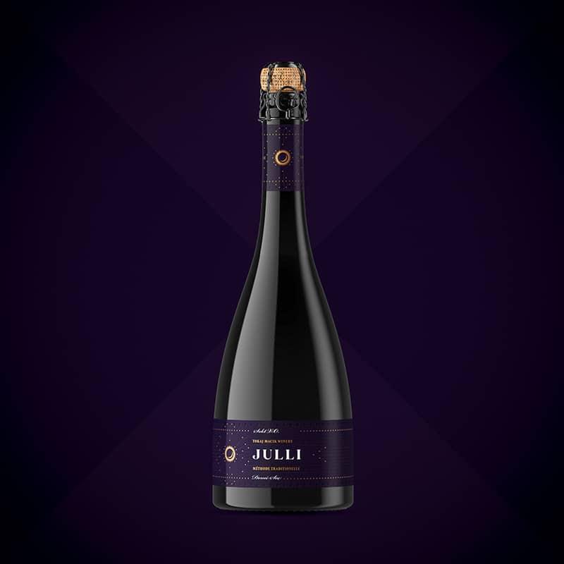Wine label, packaging design JULLI Red for TOKAJ MACIK WINERY
